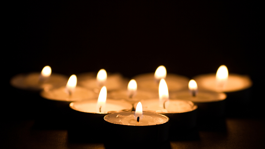 Lighted Remembrance Candles